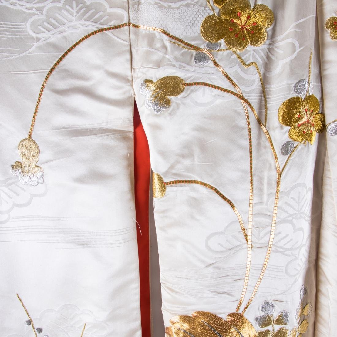 A Japanese Metallic and Silk Embroidered Kimono, 20th - 5