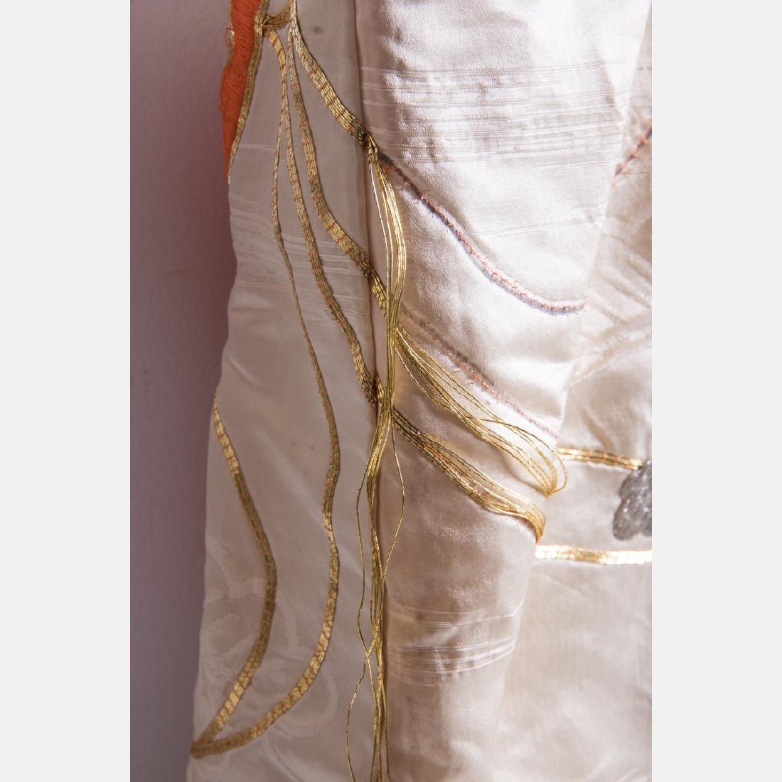 A Japanese Metallic and Silk Embroidered Kimono, 20th - 7