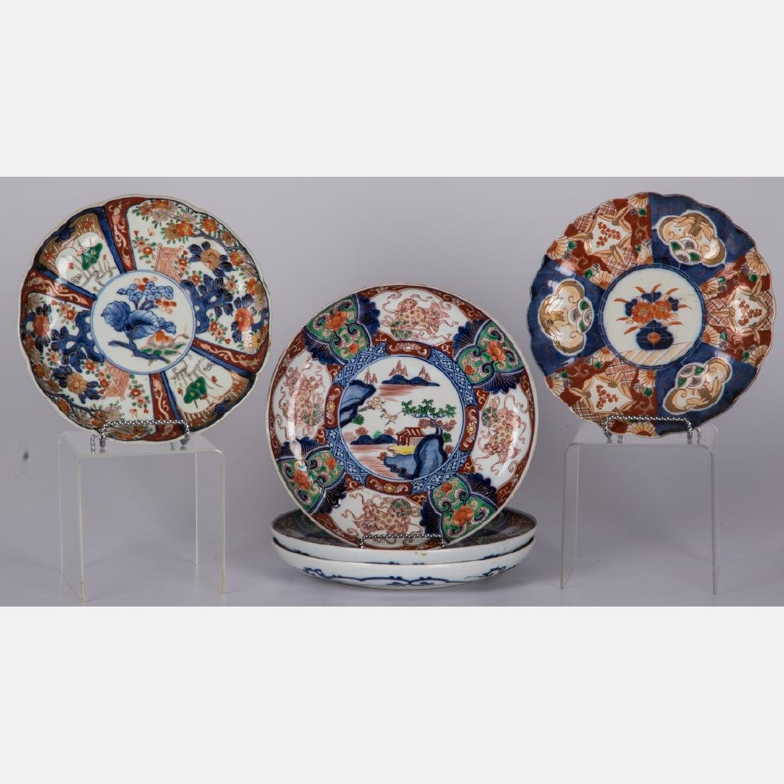 A Group of Five Japanese Imari Porcelain Plates, Meiji