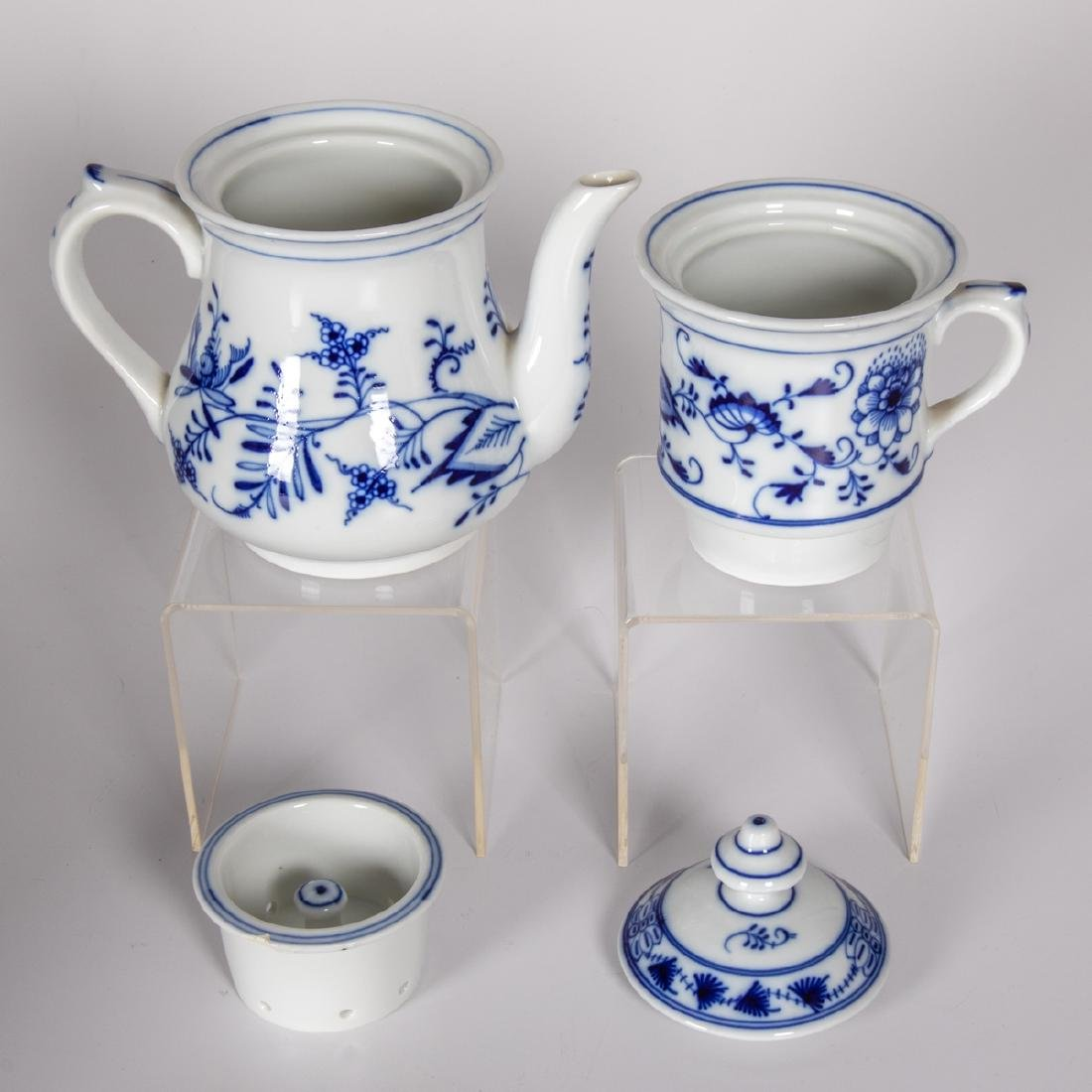 A Miscellaneous Collection of European Porcelain Plates - 2