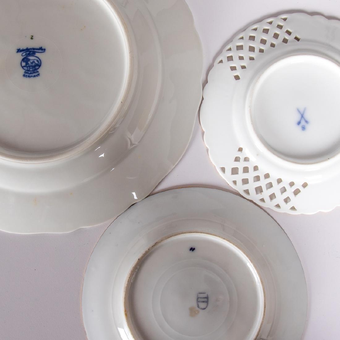 A Miscellaneous Collection of European Porcelain Plates - 4