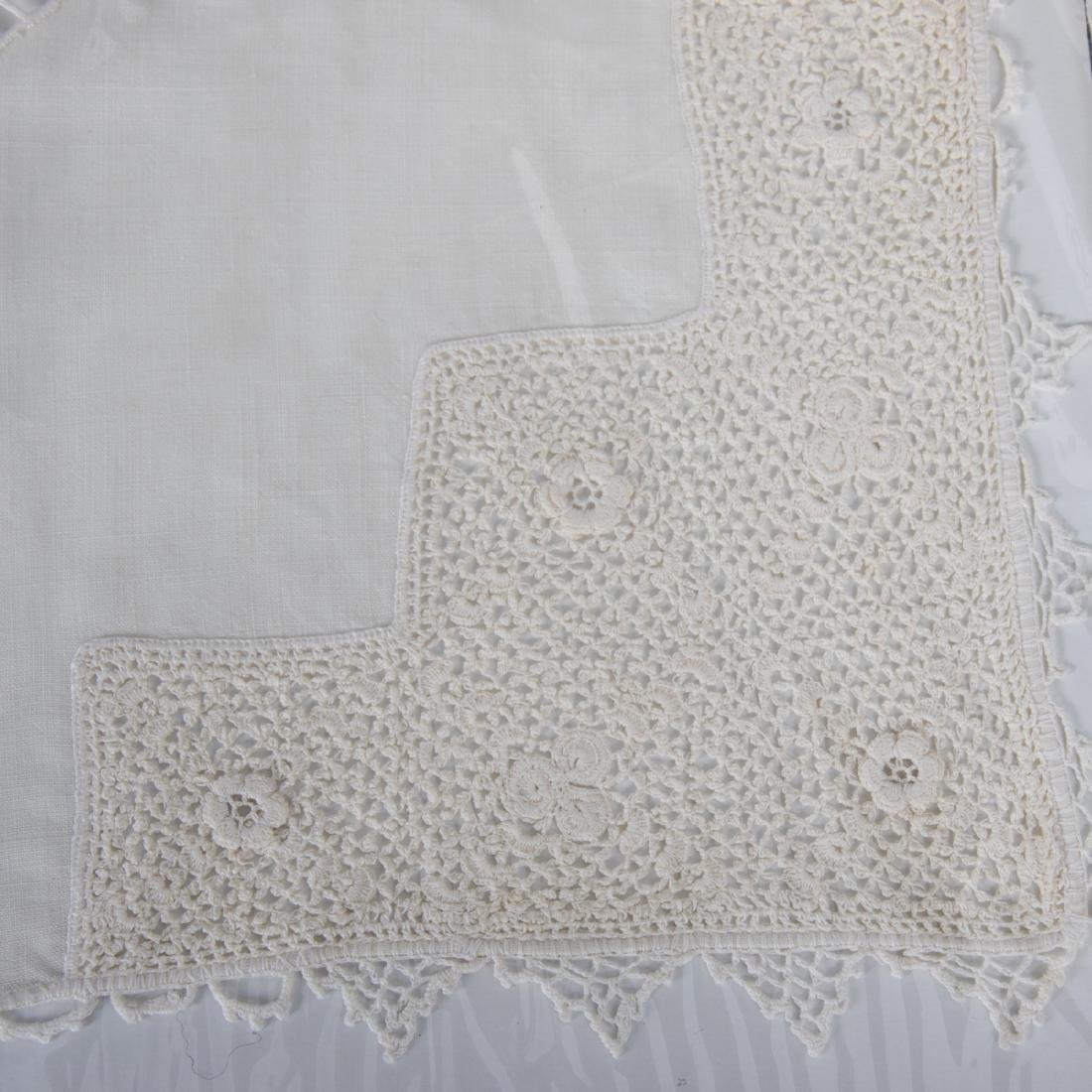 A Set of Irish Hand Woven Donegal Linen Table Cloth and - 2