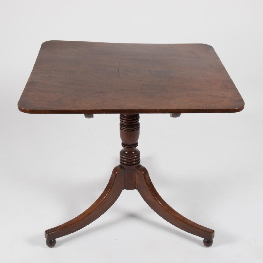 An American Federal Mahogany Tilt Top Table, ca. 1800,