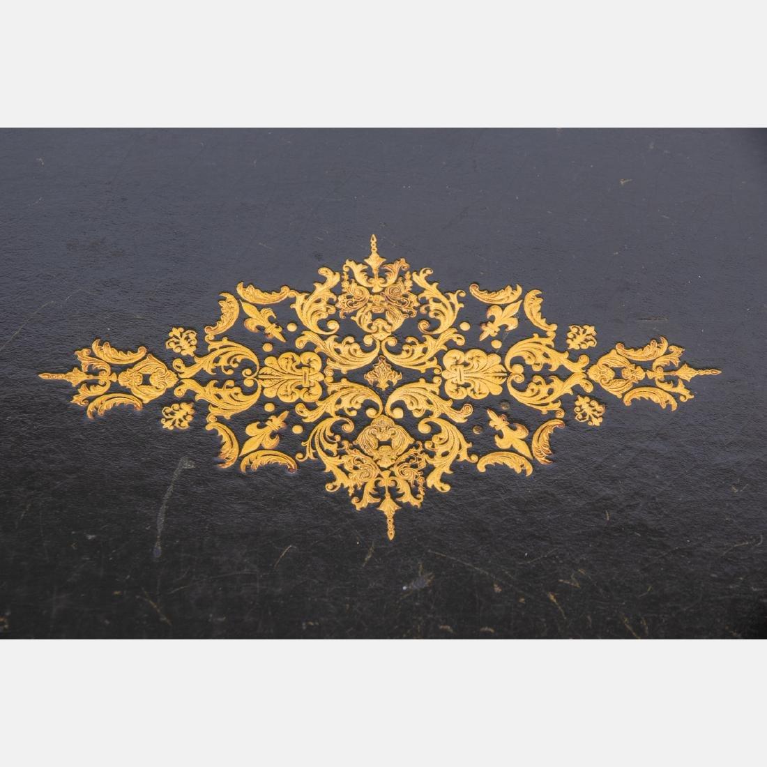 A Louis XV Style Gilt Metal Bureau Plat, 20th Century, - 3