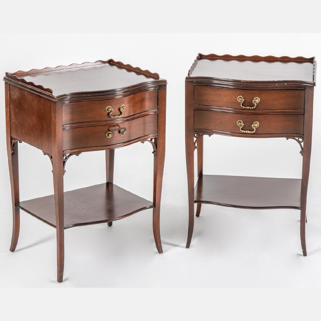 A Pair of Georgian Style Mahogany Nightstands, 20th