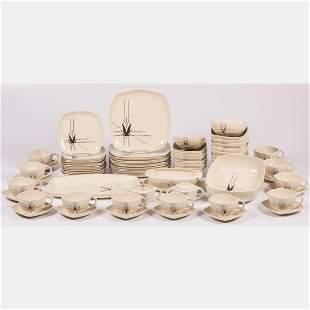 A Vintage Crestwood Porcelain Dinner Service, 20th