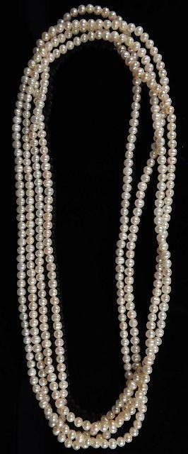 15: A Single Strand Freshwater Pearl Necklace,
