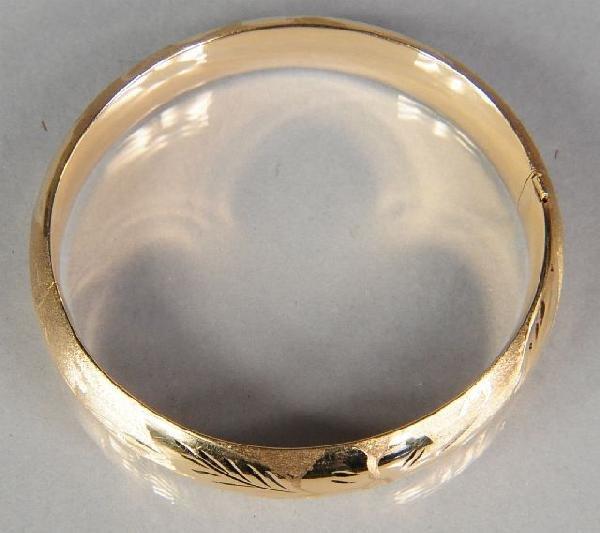 18: A 14 kt Yellow Gold Hollow Cuff Bracelet,