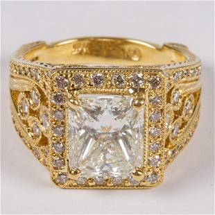 An 18kt Yellow Gold Diamond Ring