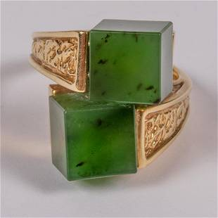 A 14kt Yellow Gold and Chrysoprase Ring