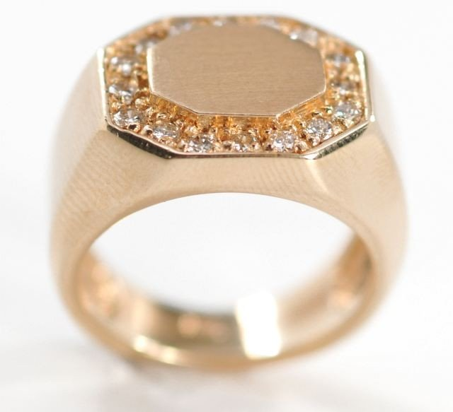 2: A 14 kt. Yellow Gold and Diamond Signet Ring,