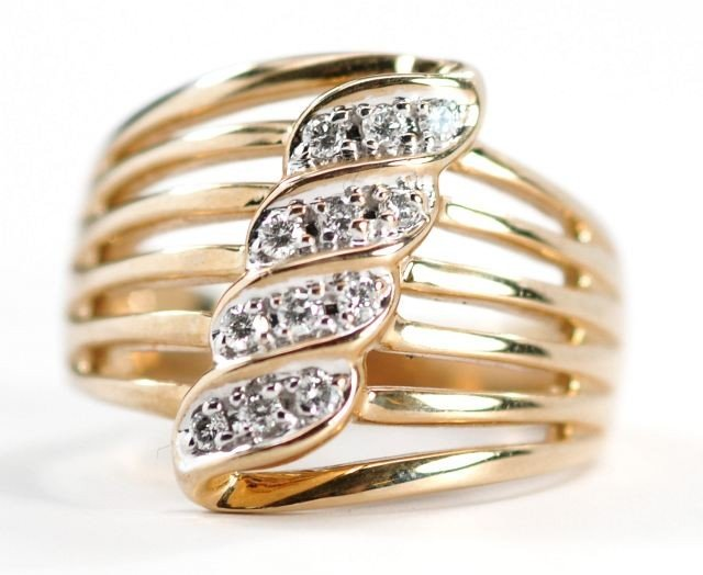 9: A 14 kt. Yellow Gold and Diamond Ring