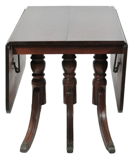 213: A Duncan Phyfe Style Mahogany Drop Leaf Dining Tab - 4