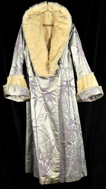 9: A Chinese Silk and Rabbit Fur Winter Robe, 20th Cent