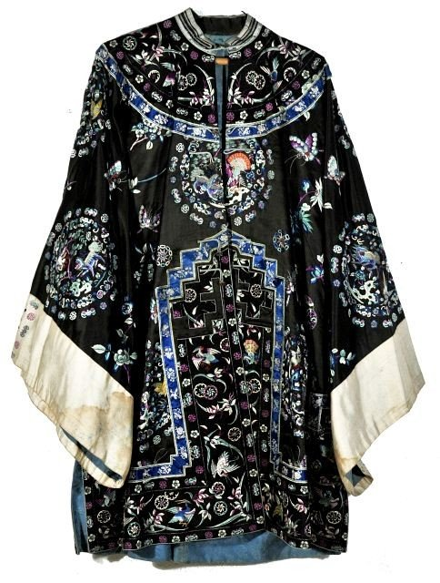 10: A Chinese Silk Embroidered Robe and Skirt, 20th Cen