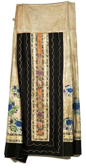 12: A Chinese Silk Embroidered Skirt, 20th Century,
