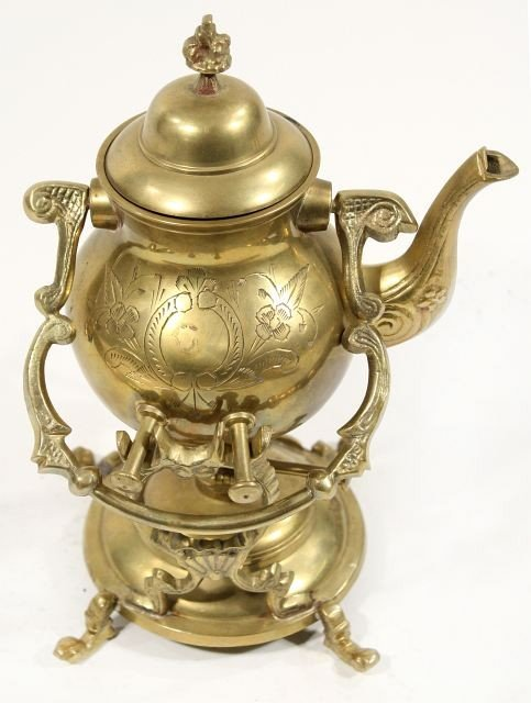 124: A Collection of Brass Decorative Items.