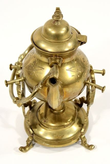 124: A Collection of Brass Decorative Items. - 7