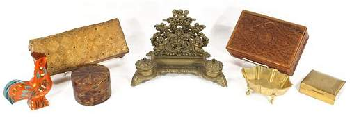 159: A Miscellaneous Collection of Wood & Brass Decorat