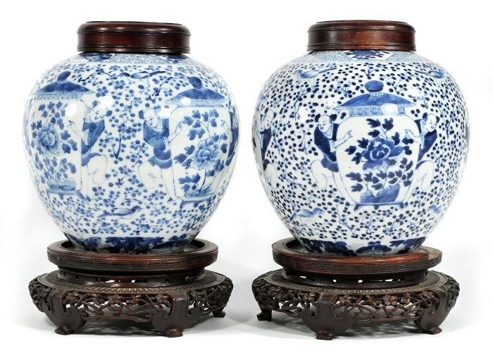 8: A Pair of Chinese Blue and White Porcelain Ginger Ja