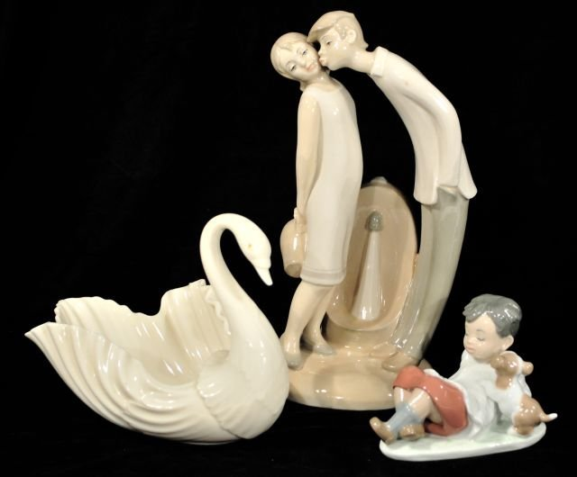 220B: A Group of Two Lladro Porcelain Figures, 20th Cen