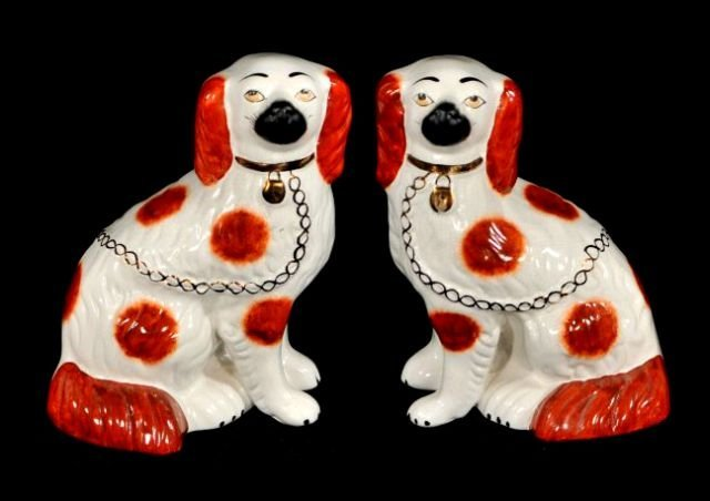 224: A Pair of Staffordshire Spaniels, 19th Century.