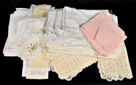 415 A Miscellaneous Collection of Vintage Table Linens
