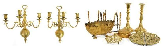258: A Miscellaneous Collection of Brass Decorative Ite