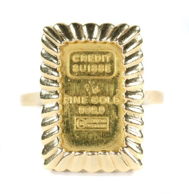 3: A 14kt. Yellow Gold Ring mounted with a Credit Suiss