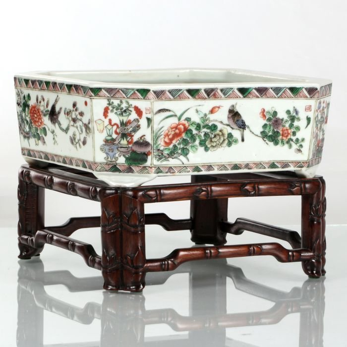 A Chinese Canton Famille Rose Porcelain Jardiniere on