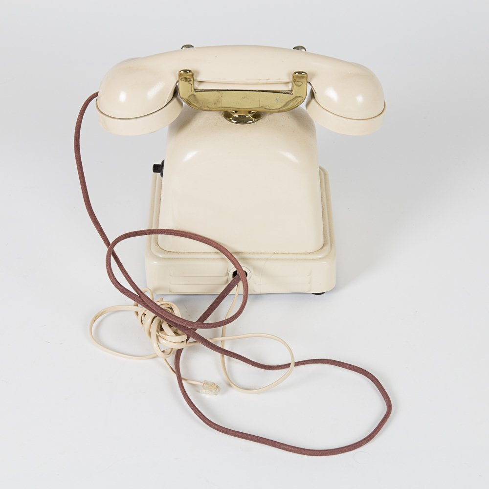 A Vintage Metal Cradle Telephone, 20th Century. - 4