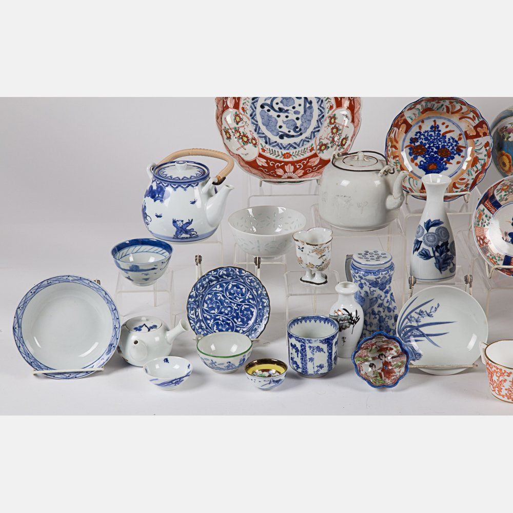 A Miscellaneous Collection of Asian Porcelain - 3