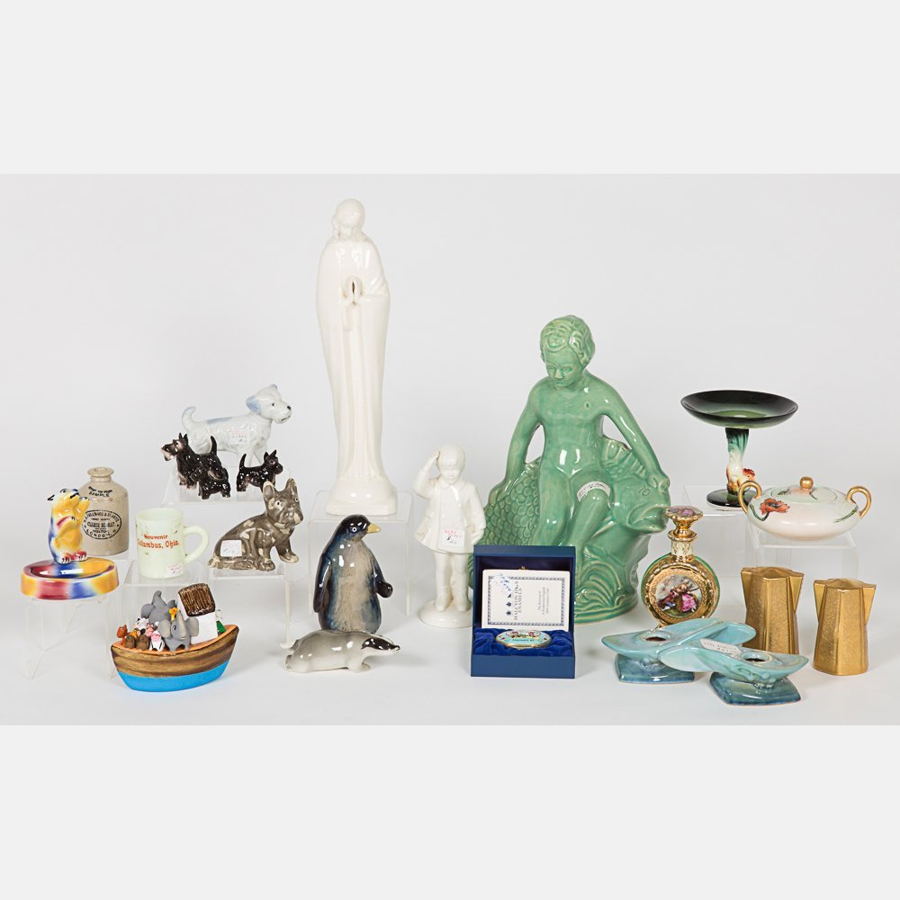 A Miscellaneous Collection of Ceramic Decorative Items,