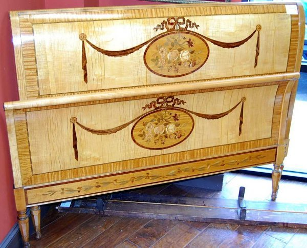 4: SATINWOOD SLEIGH BED WITH ROSEWOOD INLAY