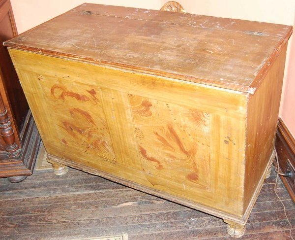 22: EARLY HAND GRAINED BLANKET CHEST