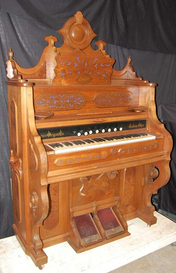 14: EMPIRE WALNUT VICTORIAN PUMP ORGAN