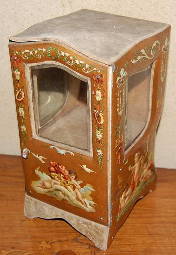 9: MINITURE SEDAN CHAIR SHAPED JEWELRY BOX