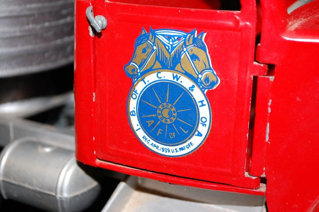 43: TEAMSTERS UNION SERVICE TOY TRUCK & TRAILER - 2