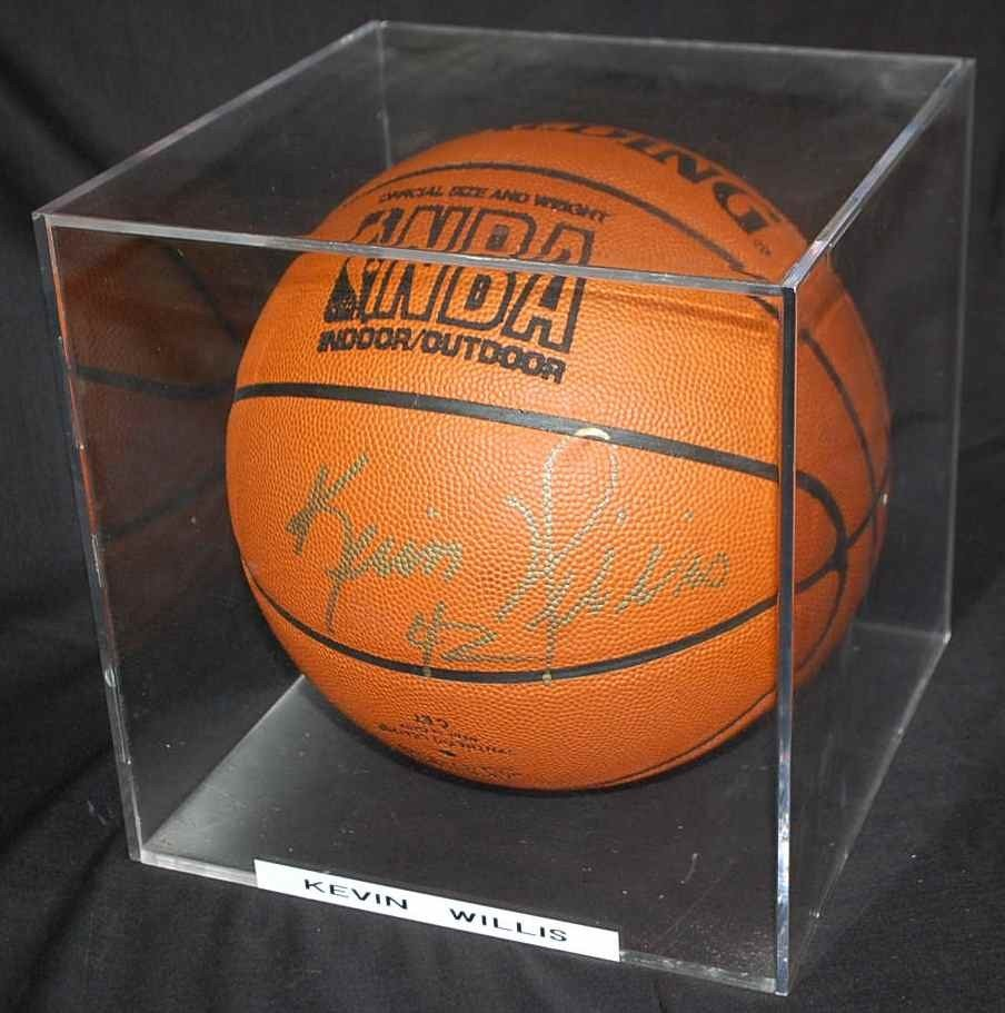 3: KEVIN WILLIS AUTOGRAPHED BASKETBALL