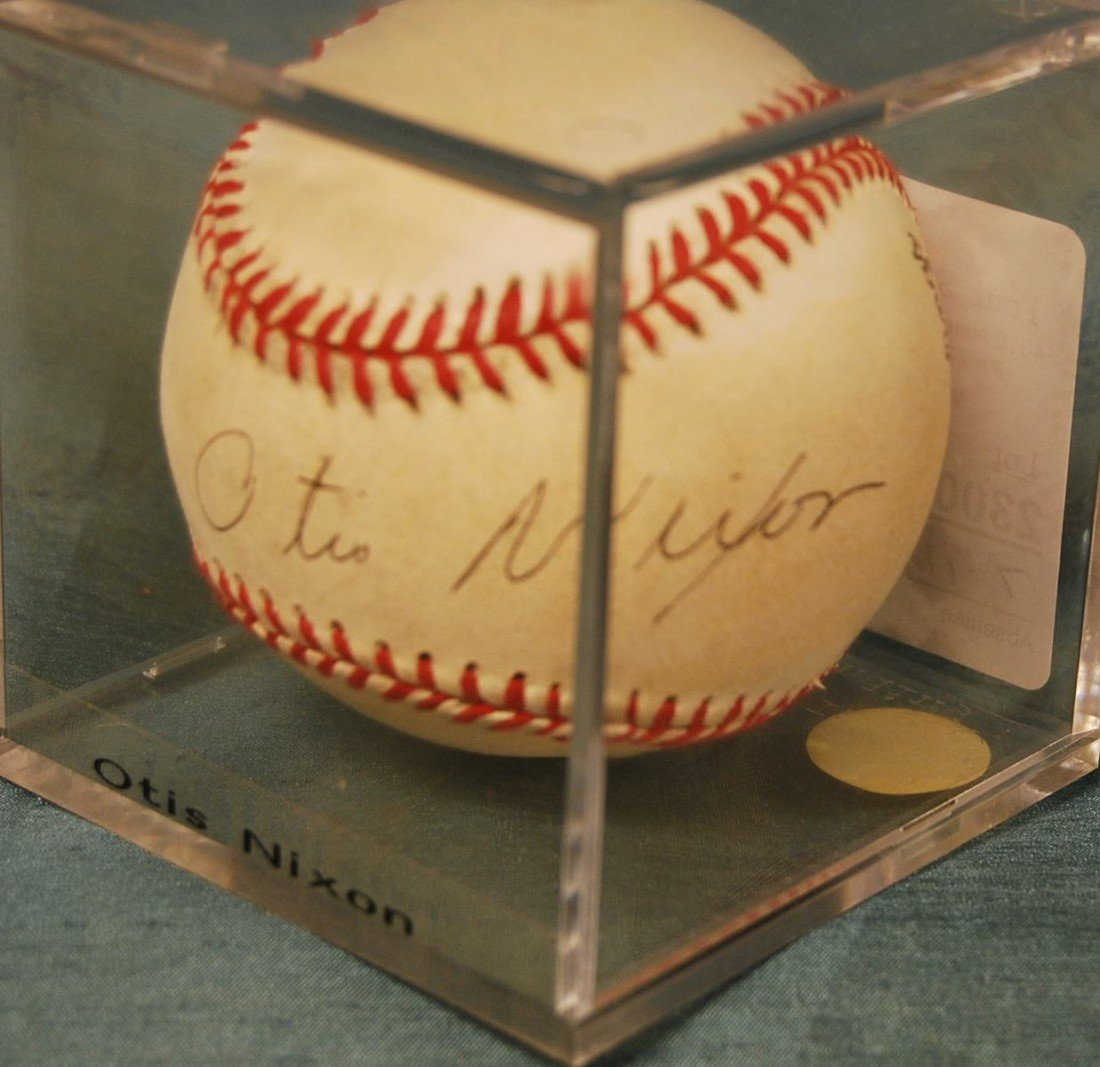 307: OTIS NIXON SIGNED N.L. BASEBALL