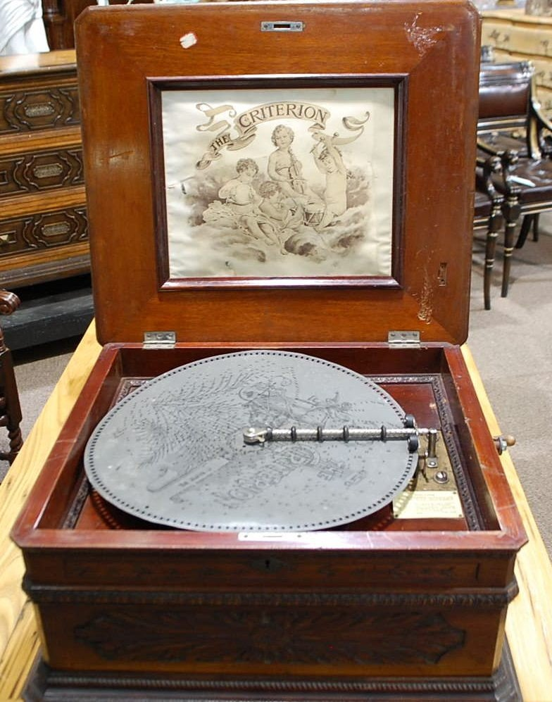 "043: CRITERION 15 3/4"" DISC MUSIC BOX"