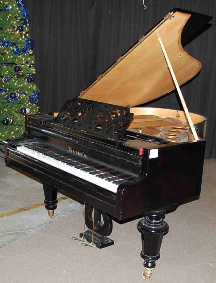 018: BOSENDORFER EBONIZED BABY GRAND PIANO
