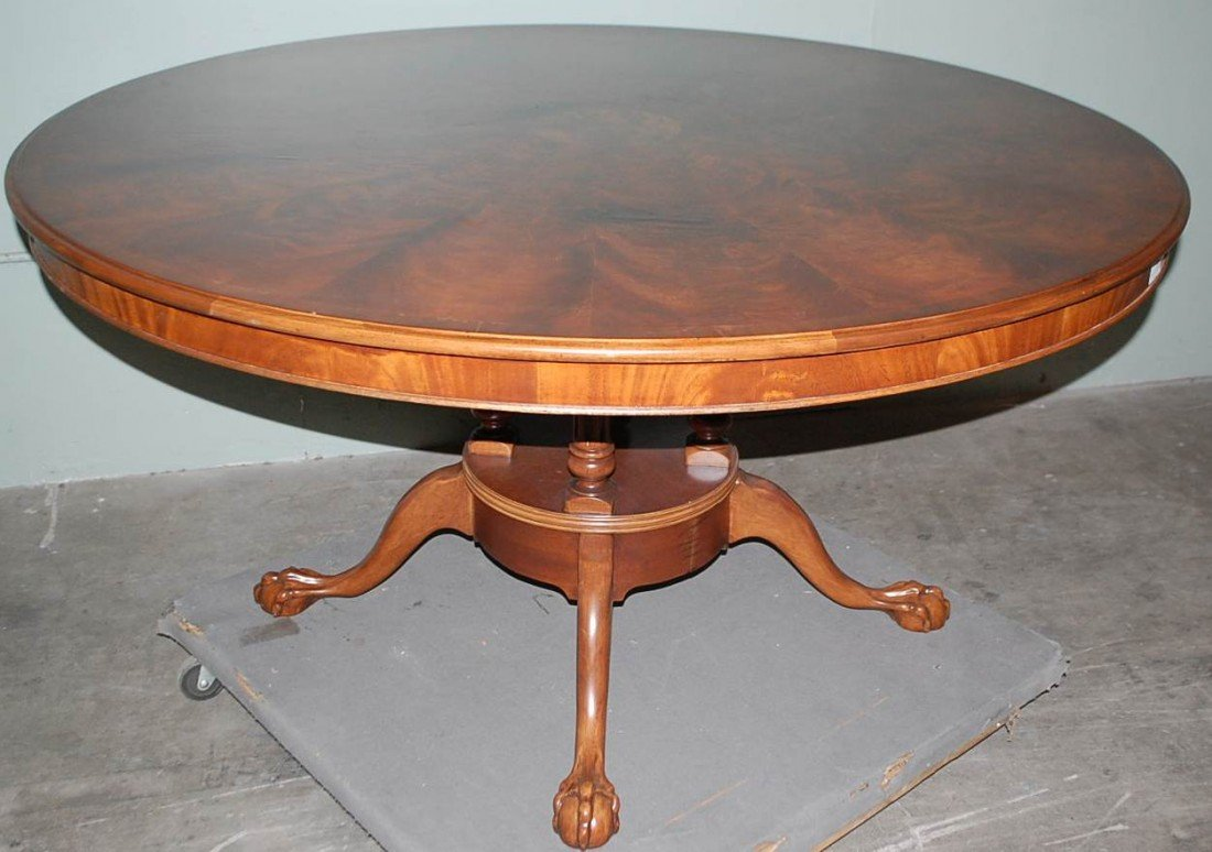 026: E.J. VICTOR ROUND DINING TABLE