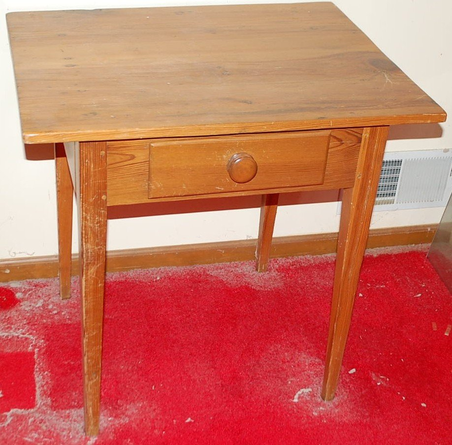 002: HEART PINE ONE DRAWER SIDE TABLE