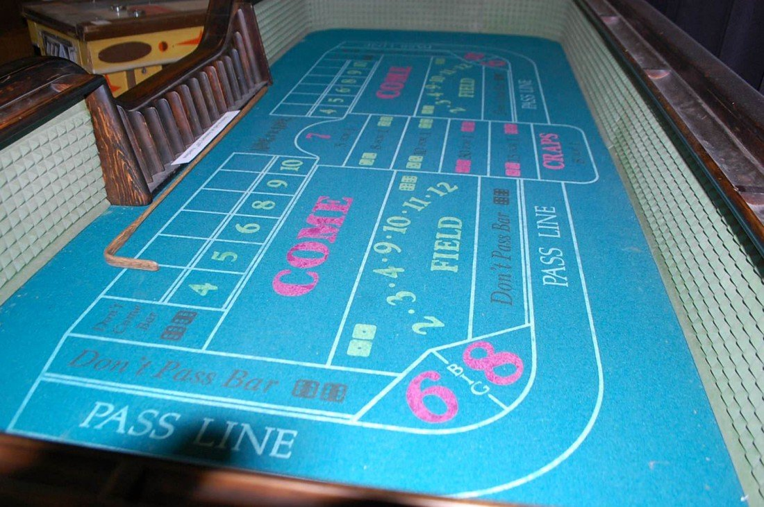 023: VINTAGE WOODEN CRAPS TABLE - 2
