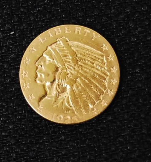 037: 1925 TWO & HALF DOLLAR US GOLD COIN