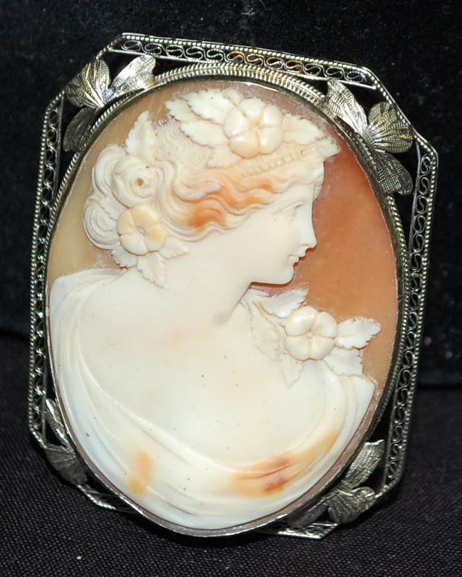 023: VINTAGE 14K WHITE GOLD FILIGREE CAMEO BROOCH