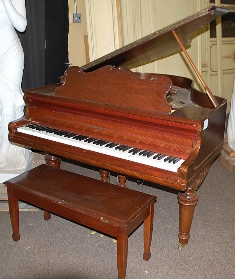 004: VINTAGE KRANICH & BACH BABY GRAND PIANO