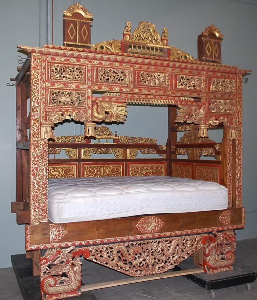 020: HIGHLY CARVED CHINESE CANOPY  WEDDING BED