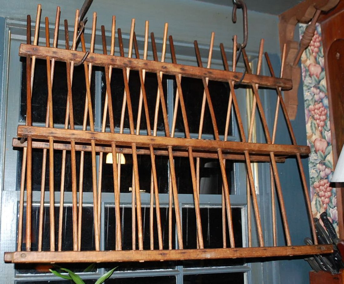EARLY HANGING DISH RACK